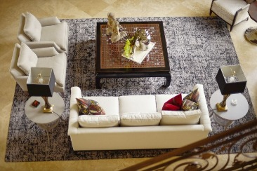 blending eclectic furniture styles